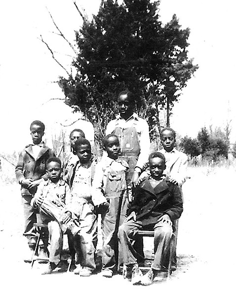 John Earl Leake (seated on left), Hayward Leake Jr. (seated on right), and other school mates